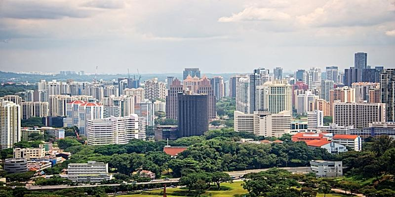 Private home prices and the HDB resale transactions edge lower in Q1 2019.