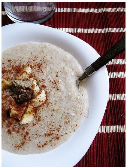 """<div class=""""caption-credit""""> Photo by: FitSugar</div><div class=""""caption-title"""">Buckwheat Porridge</div>If you like things creamy, you'll love this <a rel=""""nofollow"""" href=""""http://www.fitsugar.com/Vegan-Buckwheat-Porridge-Recipe-19192476"""">recipe for vegan buckwheat porridge</a>. And unlike a lot of hot-cereal options, this porridge is gluten-free! <br>"""