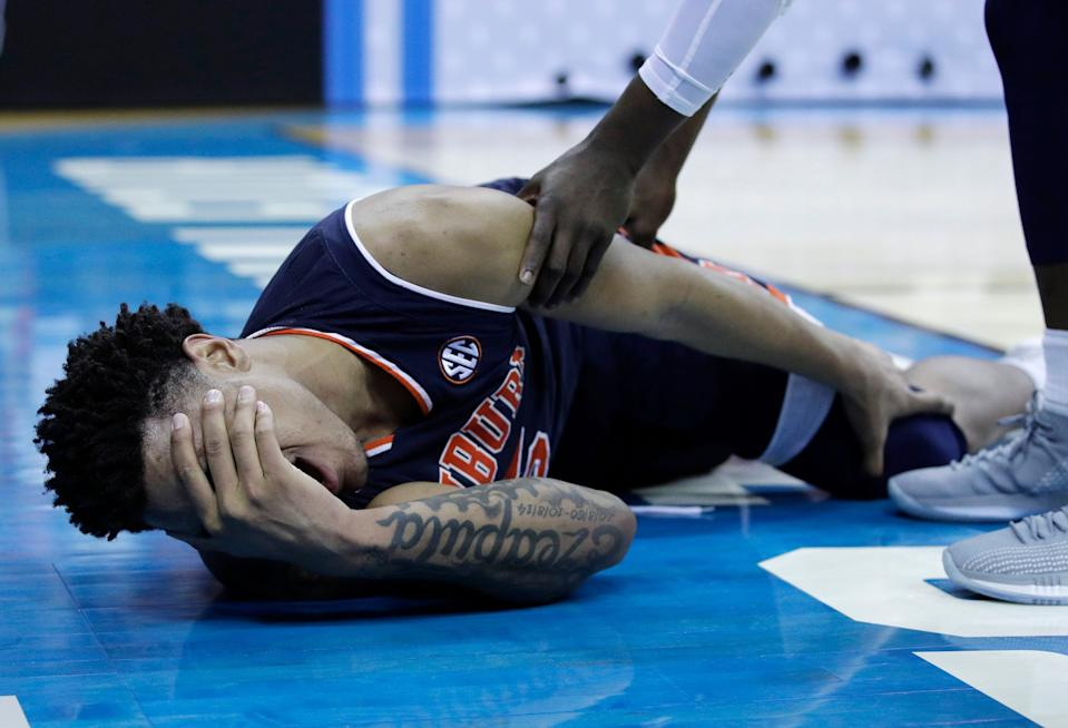 Chuma Okeke suffered what appeared to be a significant knee injury. (AP)