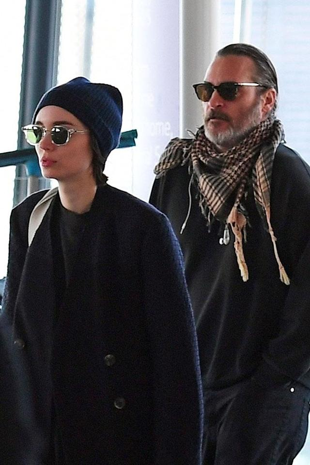 <p>The couple desperately tried to keep a low profile as they jetted out of Heathrow Airport on Wednesday. They were in London for premiere of their new movie <em>Mary Magdalene</em>. (Photo: JO/BackGrid) </p>