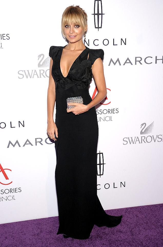 Nicole Richie put her, um, assets on display in a plunging Antonio Berardi gown. (11/07/2011)