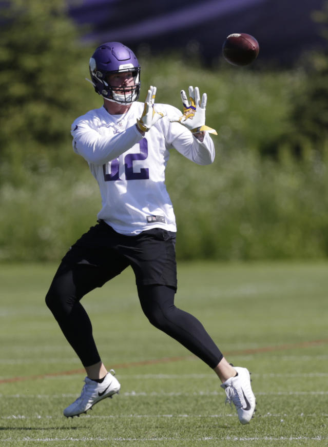 Minnesota Vikings tight end Kyle Rudolph makes a catch during drills at the team's NFL football training facility in Eagan, Minn., Thursday, June 13, 2019. (AP Photo/Andy Clayton- King)