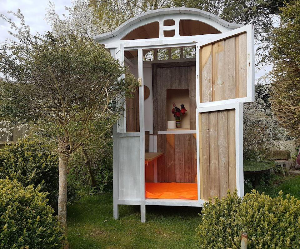 "<p>A pretty and transportable compost loo.</p><p><a href=""http://greenoakfurniture.co.uk/"" rel=""nofollow noopener"" target=""_blank"" data-ylk=""slk:www.greenoakfurniture.co.uk"" class=""link rapid-noclick-resp""><strong>www.greenoakfurniture.co.uk</strong></a></p>"