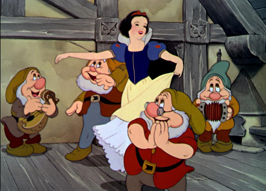"<a href=""http://movies.yahoo.com/movie/1804094938/info"">SNOW WHITE AND THE SEVEN DWARFS</a> (1937)"