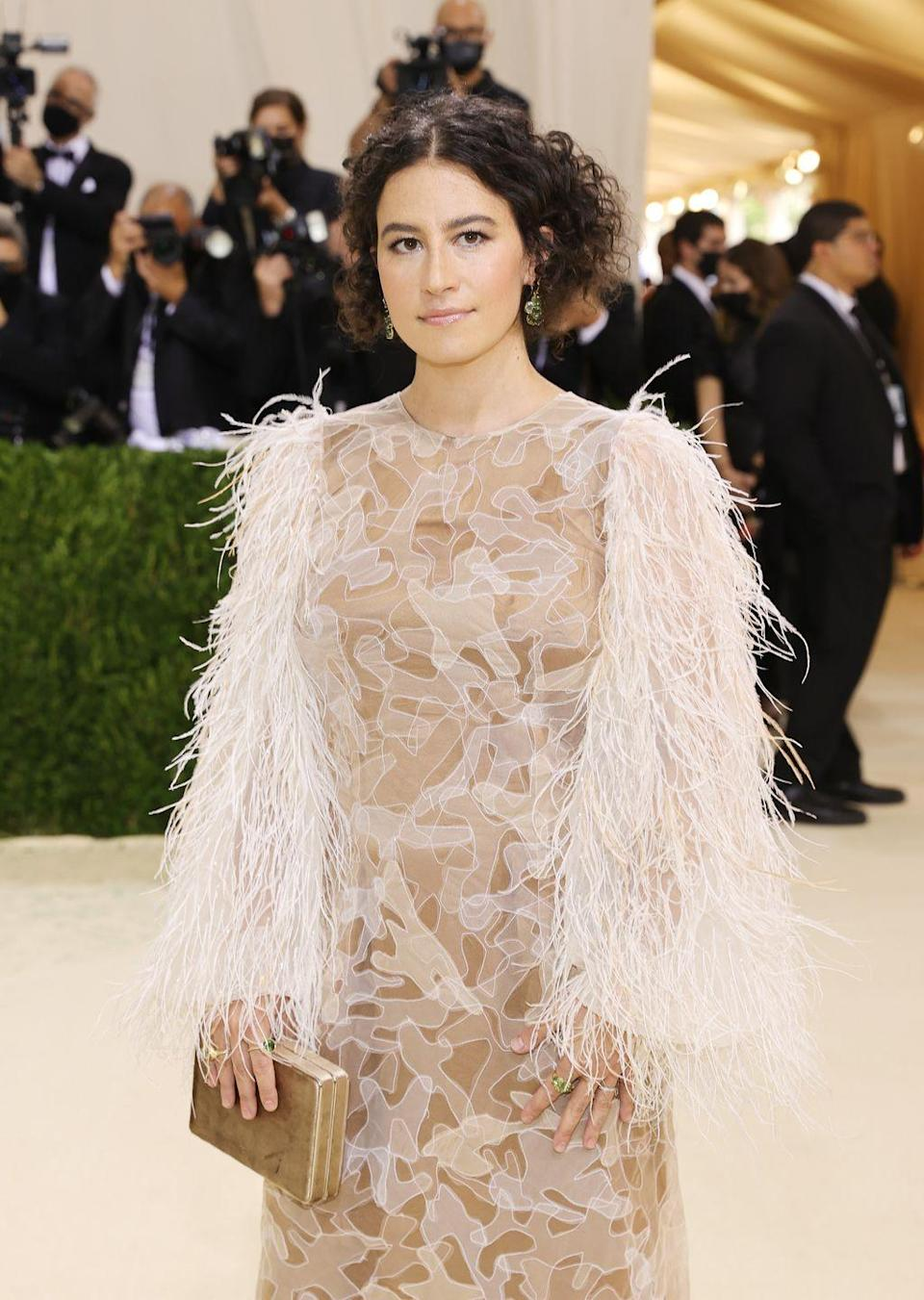 <p>From stoner queen in Broad City to party girl in Rough Night, Ilana Glazer curbed both roles by going real grown up and real glam as one of the night's co-hosts.</p>