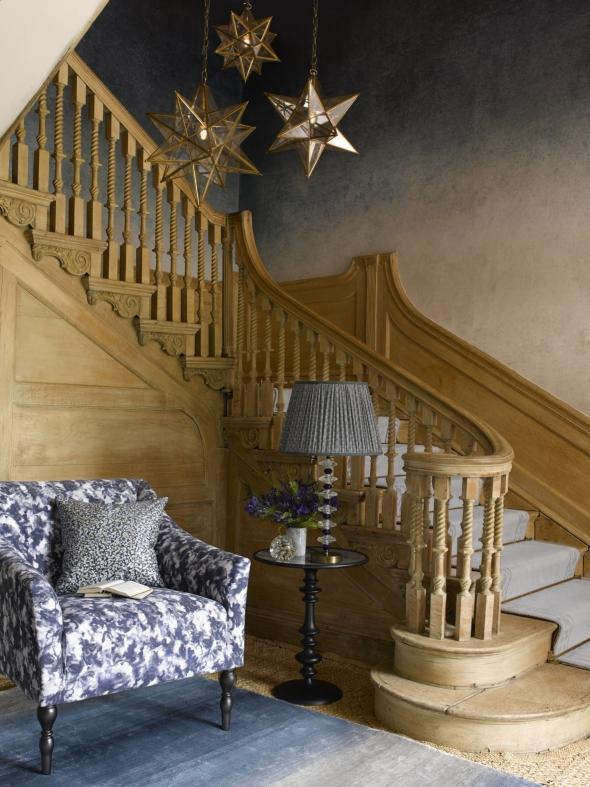 staircase ideas: rustic staircase lighting idea
