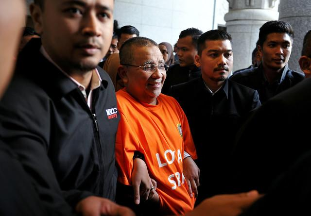 Isa Samad released on bail after MACC remand expires
