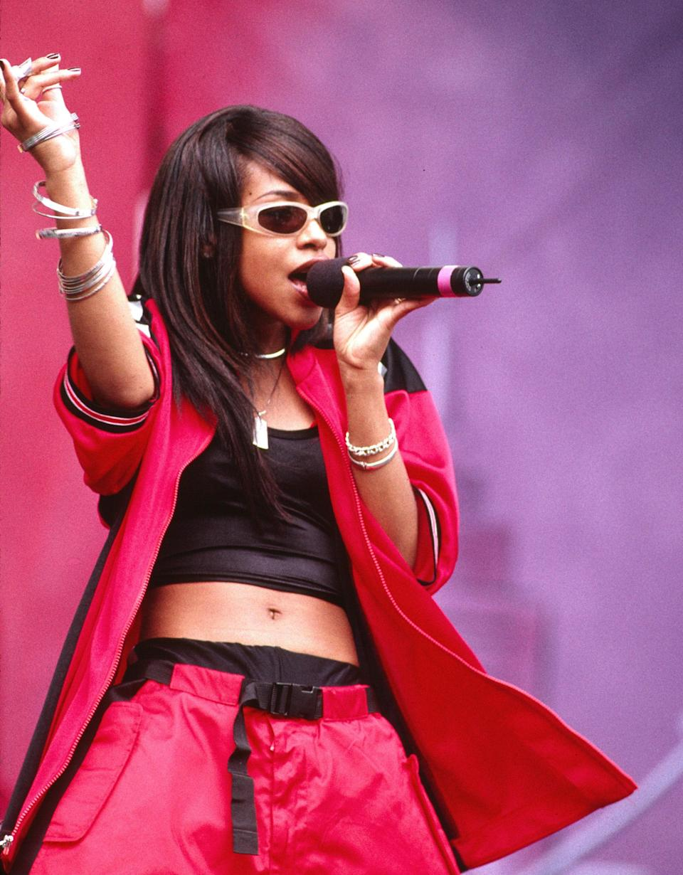 """<h1 class=""""title"""">Aaliyah In Concert</h1><cite class=""""credit"""">Chris Walter/WireImage via Getty</cite>"""