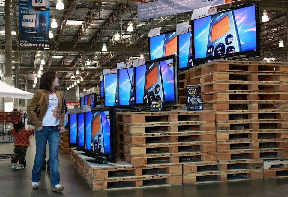 """<p>Summer is the best month to snag big savings at Costco. While end-of-season sales occur regularly at the discount store, you'll find markdowns on <a href=""""https://www.businessinsider.com/costco-tips-that-will-save-you-money#visit-at-the-end-of-the-summer-4"""" rel=""""nofollow noopener"""" target=""""_blank"""" data-ylk=""""slk:big-ticket items"""" class=""""link rapid-noclick-resp"""">big-ticket items</a> like patio furniture or pool gear.</p>"""