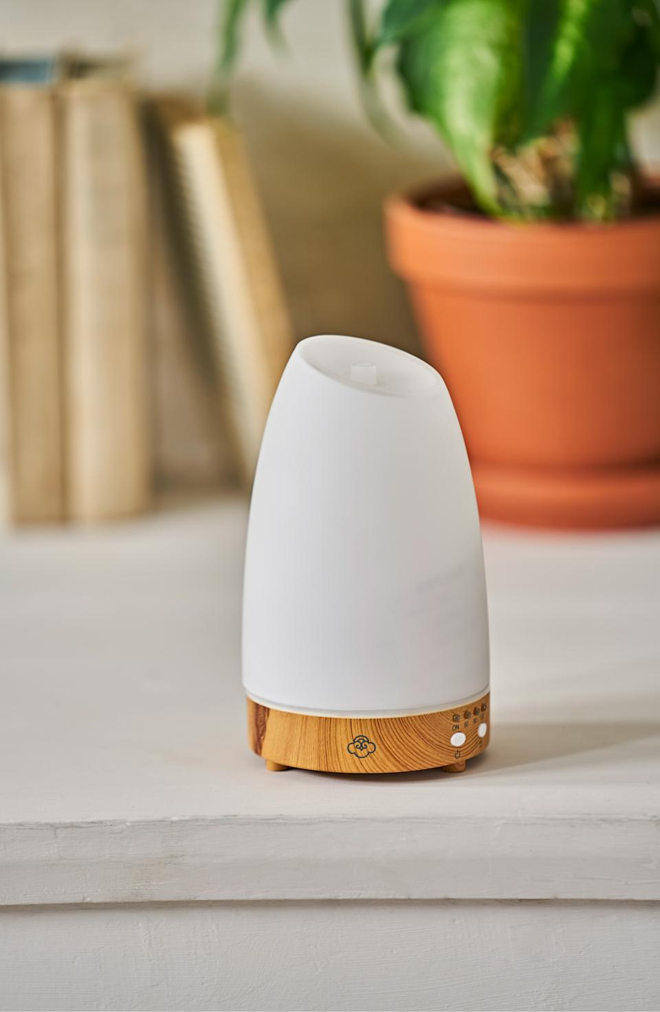 Serene House Ultrasonic Cool Mist Aromatherapy Diffuser. Image via Nordstrom.