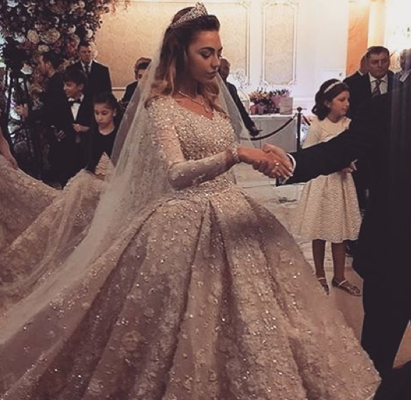 Most Expensive Wedding Dress.Here Comes The Most Expensive Wedding Dress In The World