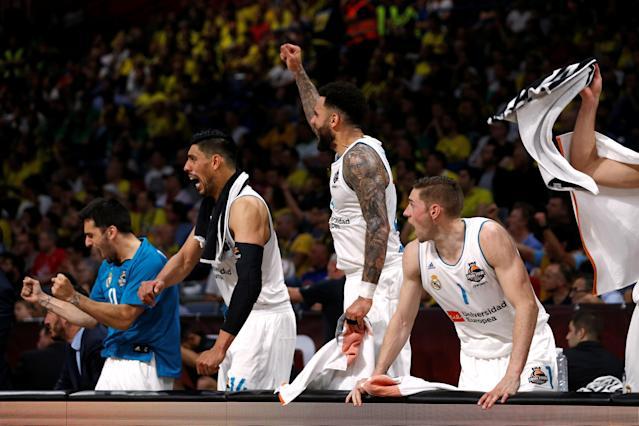 Basketball - EuroLeague Final Four Semi Final A - CSKA Moscow vs Real Madrid - ?Stark Arena?, Belgrade, Serbia - May 18, 2018 Real Madrid's Fabien Causeur and team mates react REUTERS/Alkis Konstantinidis