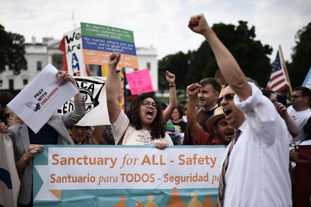 <p>Immigrants and supporters demonstrate during a rally in support of the Deferred Action for Childhood Arrivals (DACA) in front of the White House on Sept. 5, 2017, in Washington. (Photo: Eric Baradat/AFP/Getty Images) </p>