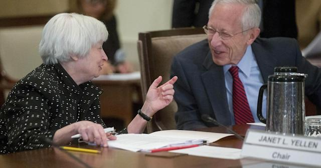 Federal Reserve Chair Janet Yellen (L) and Federal Reserve vice chair Stanley Fischer. (Andrew Harrer | Bloomberg | Getty Images)