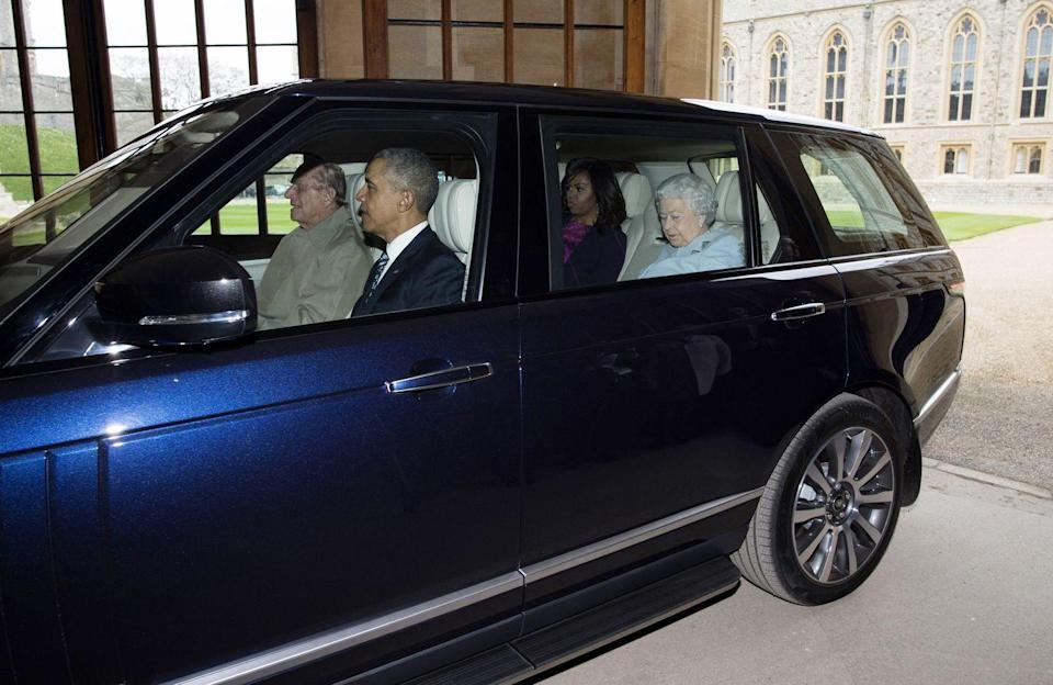 <p>Even the world's most powerful leaders carpool. Queen Elizabeth II and First Lady Michelle Obama sit in the backseat as Prince Philip drives, and President Barack Obama rides shotgun on their way to lunch. <br></p>