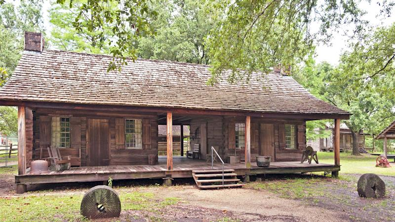 What is a dogtrot house a home where fido can roam and for Dogtrot modular homes