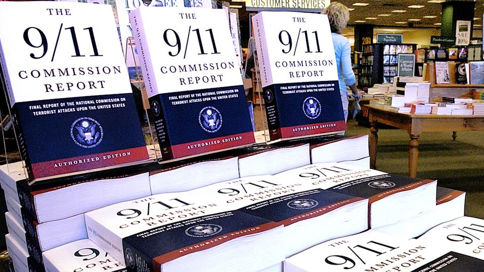 """A bookstore displays """"The 9/11 Commission Report,"""" from the National Commission on Terrorist Attacks Upon the United States, in 2004. (Seth Perlman/AP)"""
