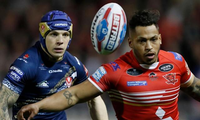 "<span class=""element-image__caption"">St Helens' Theo Fages, left, battles with Salford's Gregory Johnson. Fages left the field early on and did not return after a failed concussion assessment.</span> <span class=""element-image__credit"">Photograph: Carl Recine/Reuters</span>"