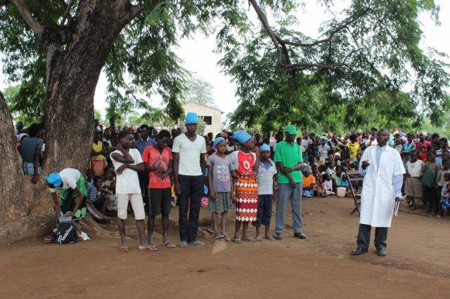 How Mozambique schoolkids use theatre to warn against child marriage