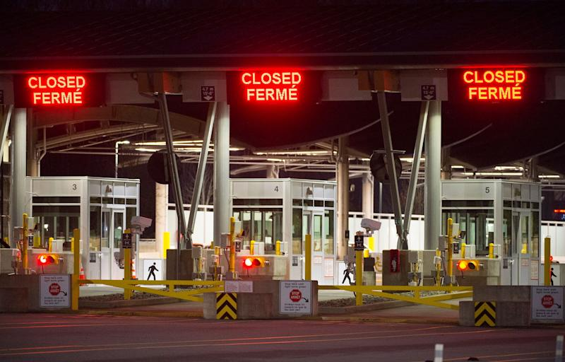 The border crossing at the Peace Arch Canada-U.S. border, pictured on March 20, 2020. (ASSOCIATED PRESS)
