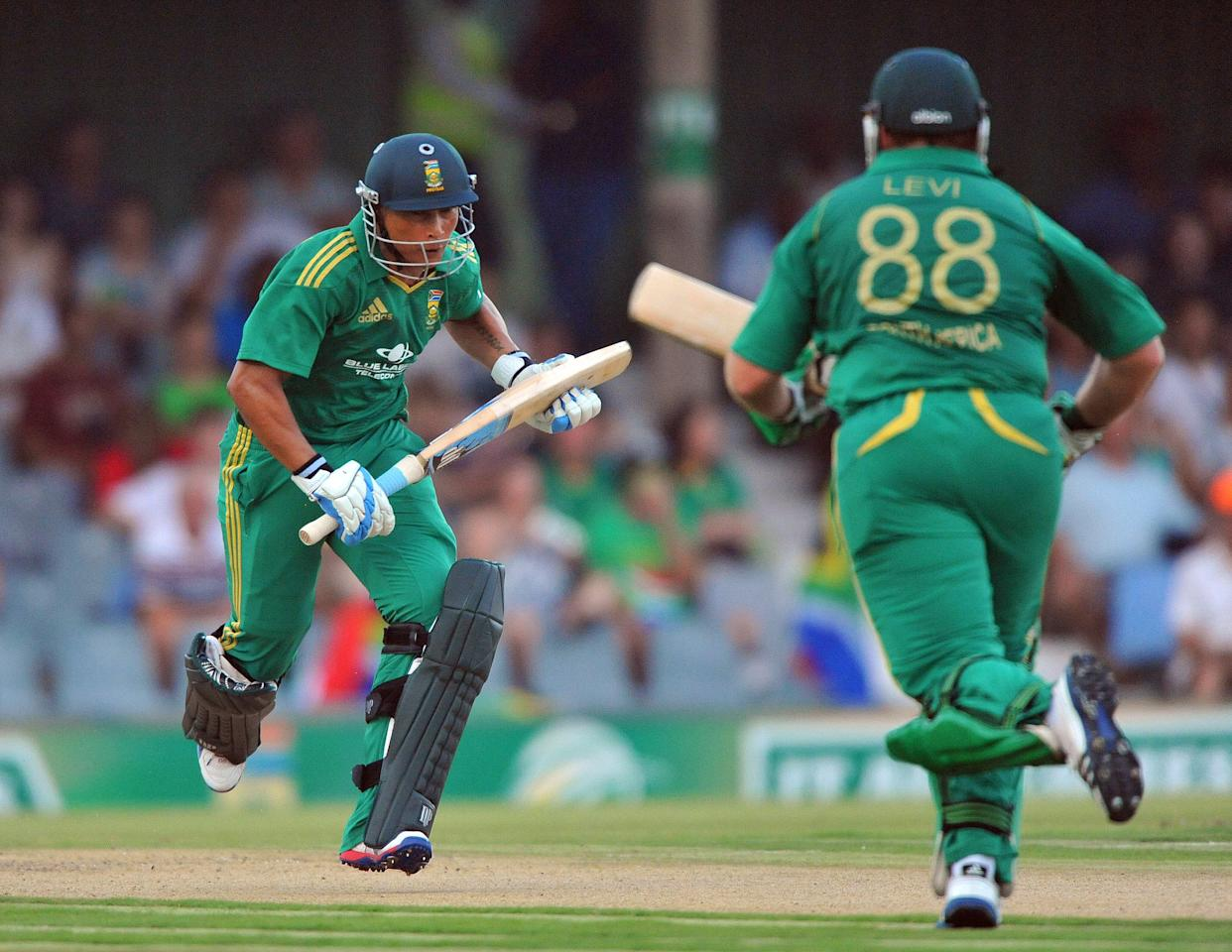 EAST LONDON, SOUTH AFRICA - DECEMBER 23:   Henry Davids of South Africa runs a single during the 2nd T20 match between South Africa and New Zealand at Buffalo Park on December 23, 2012 in East London, South Africa.  (Photo by Duif du Toit/Gallo Images/Getty Images)