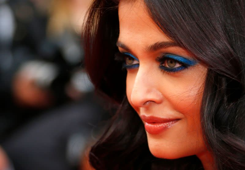 Aishwarya Rai and daughter in hospital with COVID-19: media
