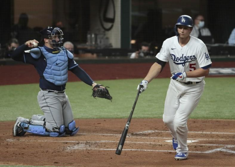 Arlington, Texas, Tuesday, October 20, 2020 Los Angeles Dodgers shortstop Corey Seager (5) walks in the first inning in game one of the World Series at Globe Life Field. (Robert Gauthier/ Los Angeles Times)