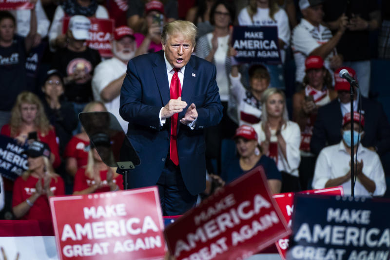 US-Präsident Trump lässt sich bei seinem letzten Wahlkampf-Auftritt in Tulsa feiern (Bild: Jabin Botsford/The Washington Post via Getty Images)