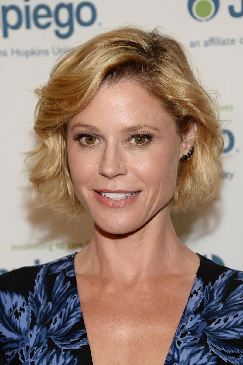 Julie Bowen Joins The Melissa Mccarthy College Comedy Life Of The Party