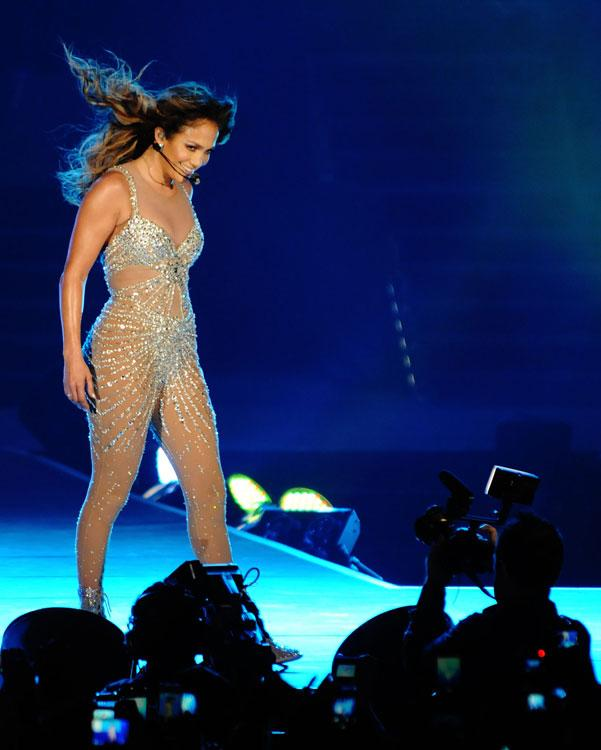 "<p class=""MsoNormal""><span>A member of the audience handed her a bouquet of flowers, another gave her a flag – although the flag in question was Lebanese. ""She was phenomenal,"" said 24-year-old magazine editor Houry Seukunian. ""She is the best dancer in the world, JLo is the reason I started dancing."" Photo: Peter Harrison/Yahoo! Maktoob</span></p>"