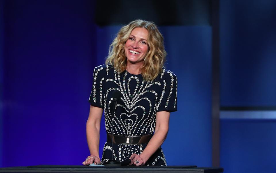 US actress Julia Roberts speaks on stage during the 47th American Film Institute (AFI) Life Achievement Award Gala at the Dolby theatre in Hollywood on June 6, 2019. (Photo by Jean-Baptiste LACROIX / AFP)        (Photo credit should read JEAN-BAPTISTE LACROIX/AFP via Getty Images)