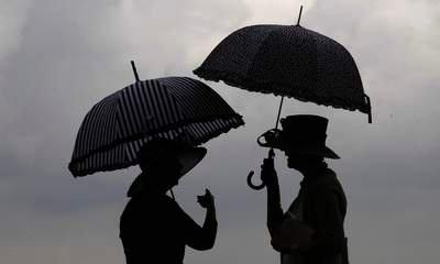 Rain Puts Dampener On Tourism In The UK