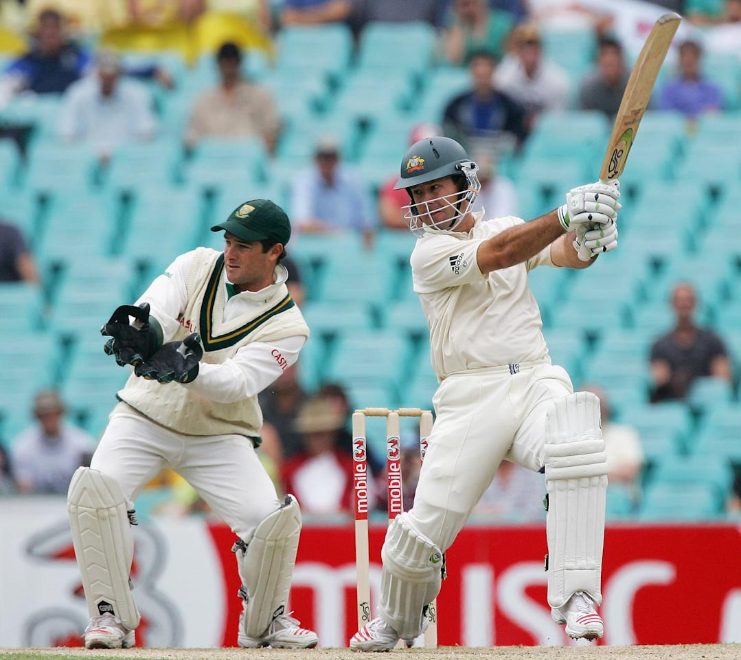 SYDNEY, NSW - JANUARY 04:  Ricky Ponting of Australia in action during day three of the Third Test between Australia and South Africa played at the SCG on January 4, 2006 in Sydney, Australia.  (Photo by Hamish Blair/Getty Images)