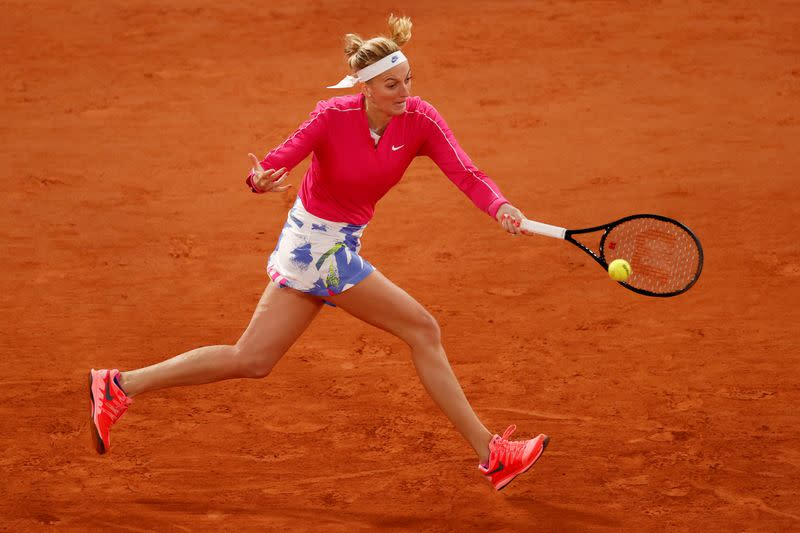 Kvitova reaches first French Open quarter-final for eight years