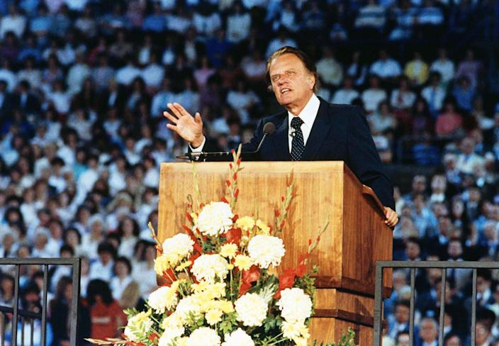 Rev. Billy Graham preaching in Tacoma, Wash., May 16, 1983. (Photo: Dave Ekren/AP)