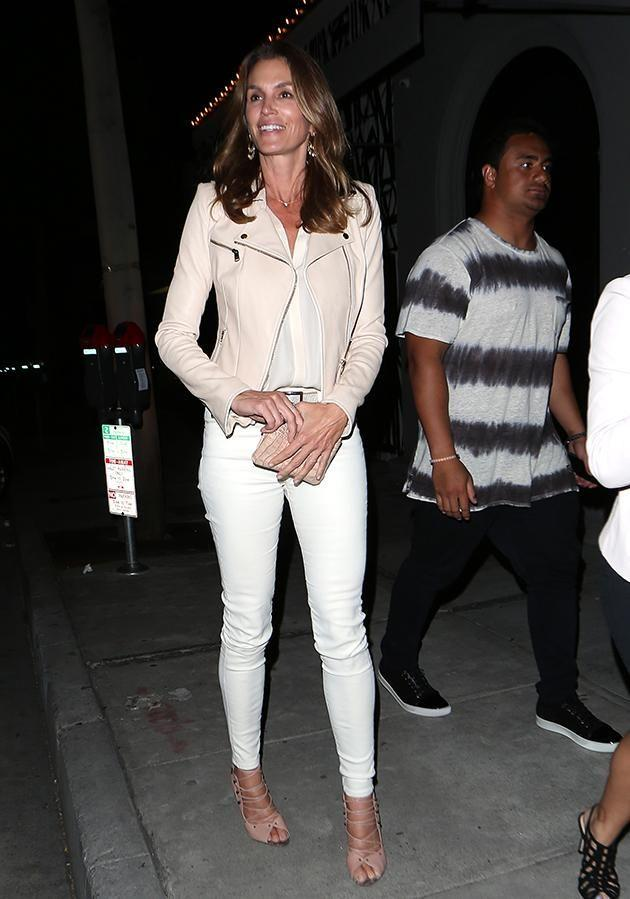 50-year-old Cindy Crawford is a lover of skinny jeans.