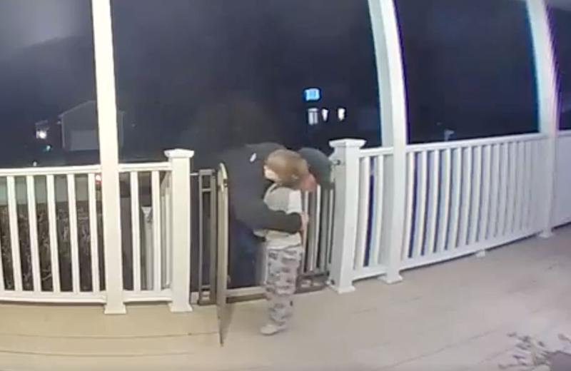Toddler hugs pizza delivery man mourning the loss of his daughter in sweet doorbell cam footage: 'It was the perfect timing'