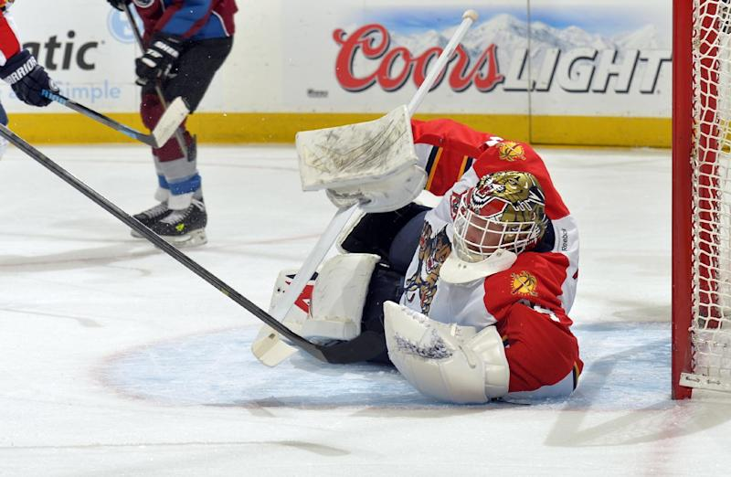 Thomas gets 200th NHL win as Panthers top Avs 4-1