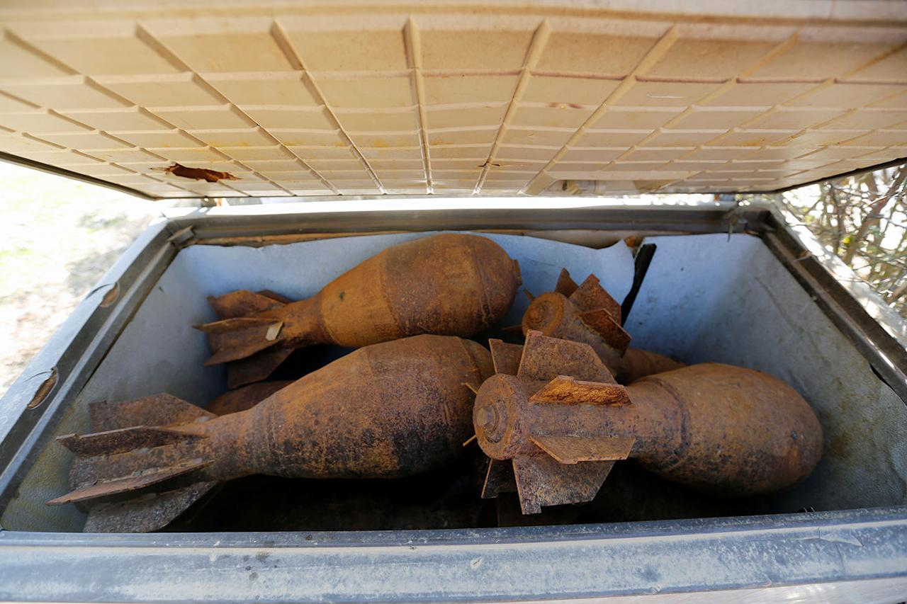 <p>Mortar shells left behind by Islamic State militants are seen at Nour Park at Mosul's zoo, Iraq, Feb. 2, 2017. (Photo: Muhammad Hamed/Reuters) </p>