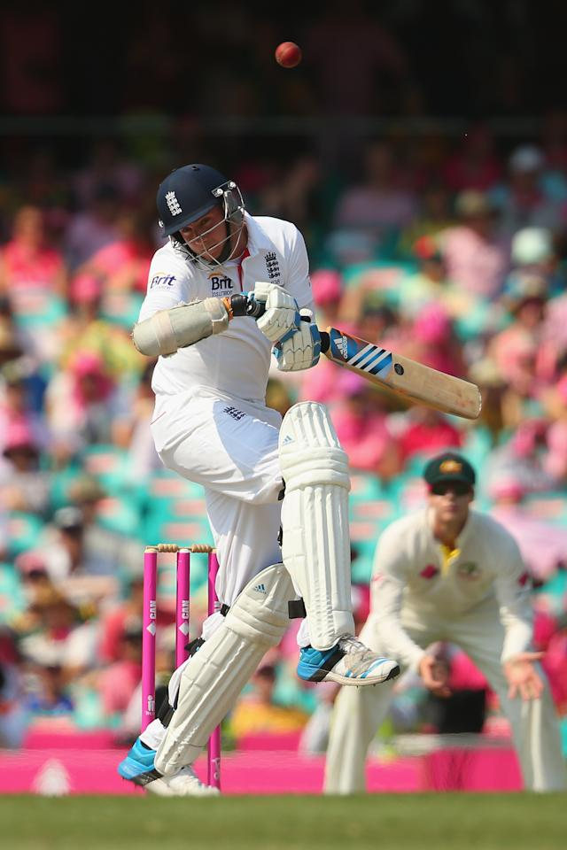 SYDNEY, AUSTRALIA - JANUARY 05:  Stuart Broad of England bats during day three of the Fifth Ashes Test match between Australia and England at Sydney Cricket Ground on January 5, 2014 in Sydney, Australia.  (Photo by Mark Kolbe/Getty Images)