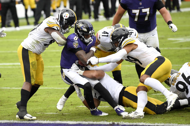 7th heaven: Unbeaten Steelers keep winning without 'A' game