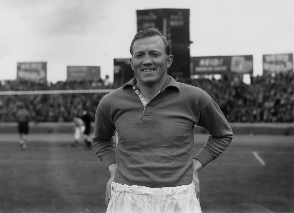 September 1951:  Liverpool footballer, Albert Stubbins.  (Photo by Dennis Oulds/Central Press/Getty Images)