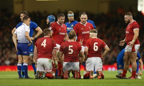 Wales expect France to cheat at the scrum, says prop Wyn Jones