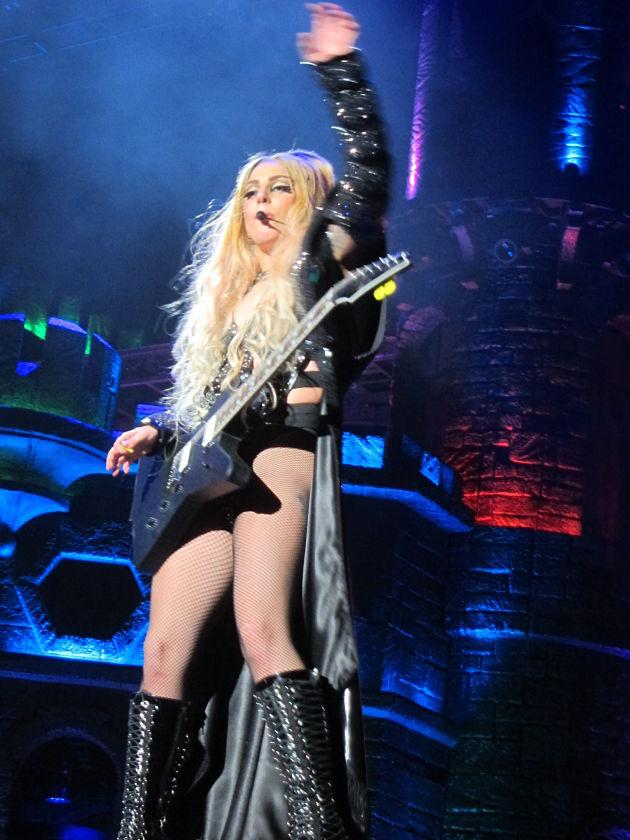 Gaga rocks out with a guitar. (Photo courtesy of Vivian Tsui)