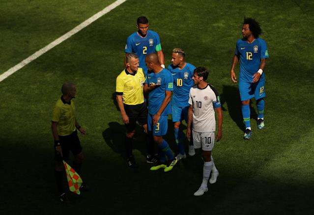 Soccer Football - World Cup - Group E - Brazil vs Costa Rica - Saint Petersburg Stadium, Saint Petersburg, Russia - June 22, 2018 Brazil's Miranda, Neymar and Thiago Silva protest to referee Bjorn Kuipers at half time REUTERS/Lee Smith