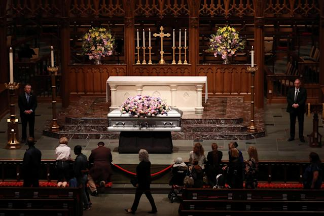 <p>Members of the public visit Former U.S. first lady Barbara Bush, the wife of the 41st president, George H.W. Bush, and mother of the 43rd, George W. Bush, as she lies in repose at St. Martin's Episcopal Church in Houston, Texas, April 20, 2018. (Photo: Richard Carson/Reuterers) </p>