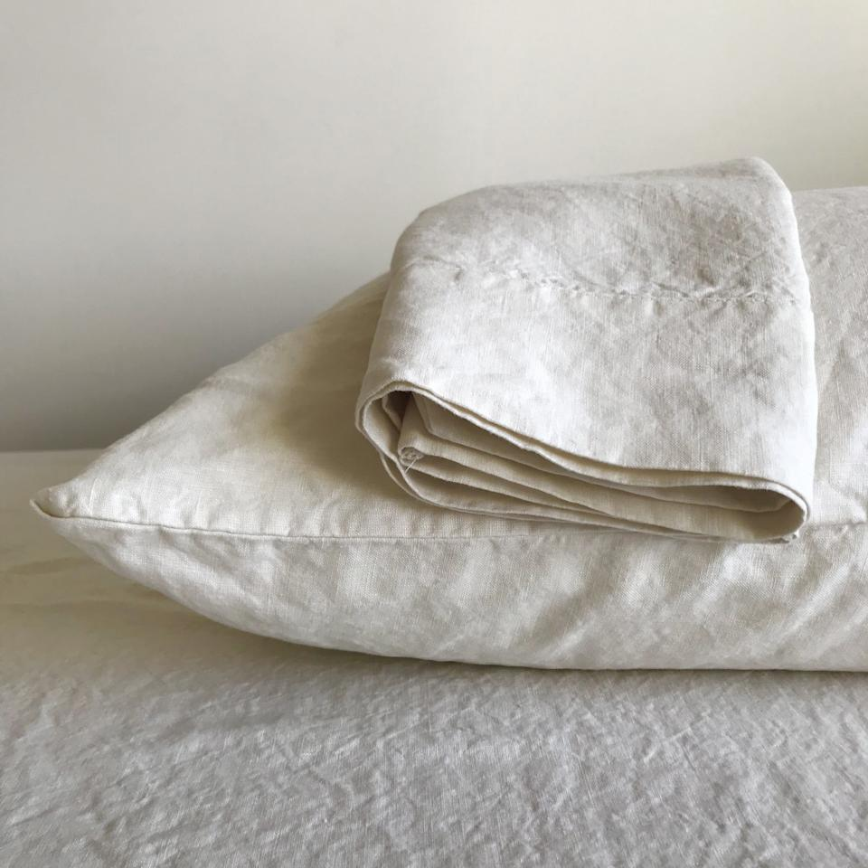 "<a href=""https://fave.co/3oooF0Z"" target=""_blank"" rel=""noopener noreferrer"">Linoto</a> is a Black-owned linen brand that creates bedding, towels and home products in a variety of colors at a workshop in New York. Shop this <a href=""https://fave.co/3qphLub"" target=""_blank"" rel=""noopener noreferrer"">100% linen sheet set for $269</a> at <a href=""https://fave.co/3oooF0Z"" target=""_blank"" rel=""noopener noreferrer"">Linoto</a>"