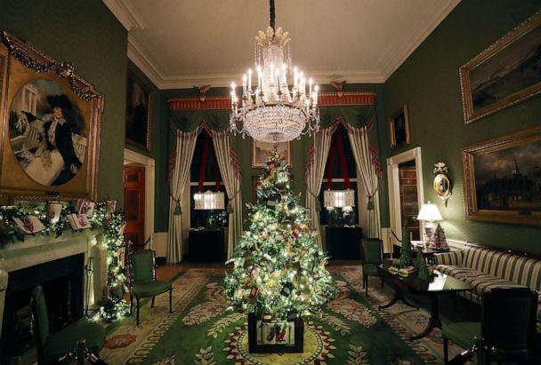 PHOTO:A decorated Christmas tree stands in the middle of the Green Room at the White House, Dec. 2, 2019 in Washington, D.C. (Mark Wilson/Getty Images)