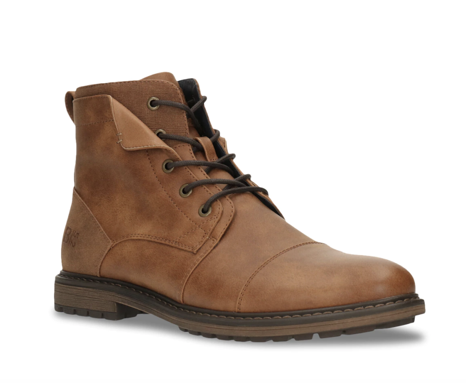 brown lace up men's boot with brown leather and dark brown laces