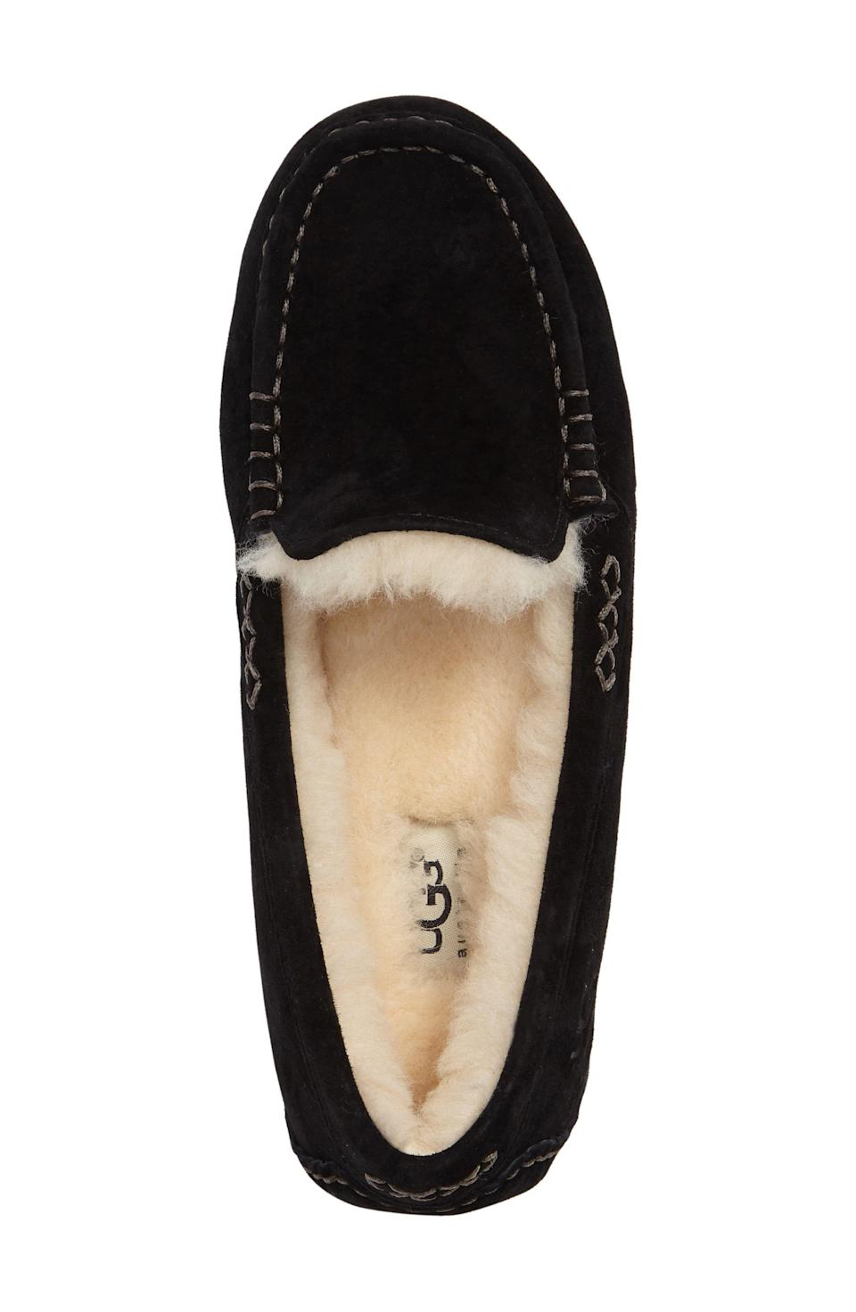 """<p><strong>Ugg</strong></p><p>nordstrom.com</p><p><strong>$74.96</strong></p><p><a href=""""https://go.redirectingat.com?id=74968X1596630&url=https%3A%2F%2Fwww.nordstrom.com%2Fs%2Fugg-ansley-water-resistant-slipper-women%2F3164992&sref=https%3A%2F%2Fwww.harpersbazaar.com%2Ffashion%2Ftrends%2Fg24061584%2Fbest-gifts-for-friends-ideas%2F"""" rel=""""nofollow noopener"""" target=""""_blank"""" data-ylk=""""slk:Shop Now"""" class=""""link rapid-noclick-resp"""">Shop Now</a></p><p>Because it's truly cozy season.</p>"""